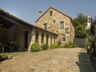 Luxurious rural house in lovely surroundings on Costa da Morte - Carballo vacation rentals