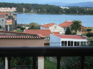 Cozy apartments in seafood paradise with excellent views - O Grove vacation rentals