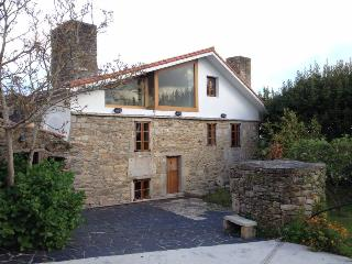 Lovely stone house near the coast with barbecue - Malpica de Bergantinos vacation rentals