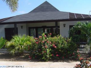Waterlands Waterfront Cottage - 3 Bedrooms - Kralendijk vacation rentals