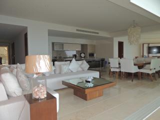 Arena Blanca Luxury Four Bedroom Condo - La Cruz de Huanacaxtle vacation rentals