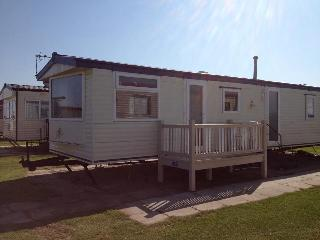 Kingfisher Family caravan now double glazed - Ingoldmells vacation rentals
