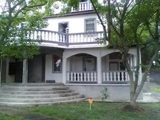 Summer Rental (2 Bedroom Apt.) - Norfolk vacation rentals