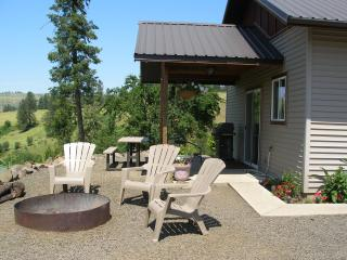 Comfortable Studio with Internet Access and A/C - Stites vacation rentals