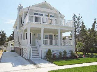Adorable 5 bedroom House in Stone Harbor - Stone Harbor vacation rentals