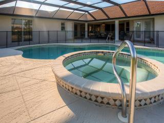 Idyllic 6BR Punta Gorda House on 5 Acres w/Wifi, Private Pool, Pond & Huge Yard - Prime Location in Prairie Creek Park! Minutes  - Punta Gorda vacation rentals