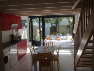 LA ROCHELLE - Maison 4 personnes -  1 km de la mer - Aytre vacation rentals
