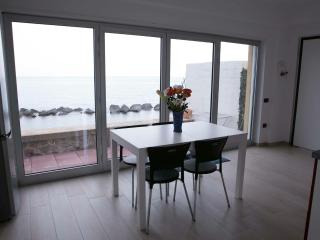 Beautiful 2 bedroom Vacation Rental in Pizzo - Pizzo vacation rentals