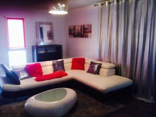Appartement t2 meublés , hyper centre de floirac dans petite copropriété - Floirac vacation rentals