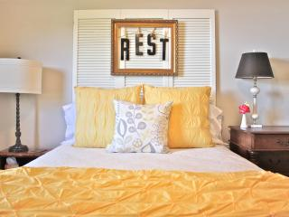 The Guest House on College Street - Llano vacation rentals