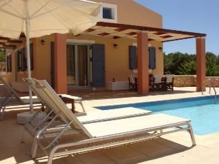 Comfortable 3 bedroom Villa in Kounopetra - Kounopetra vacation rentals