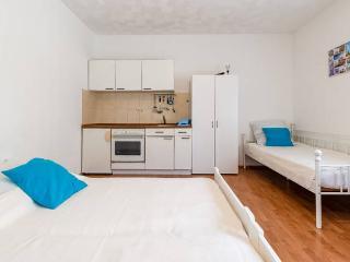 New studioapartment - Podstrana vacation rentals