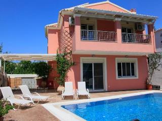 Perfect 3 bedroom Villa in Kassiopi with Garden - Kassiopi vacation rentals