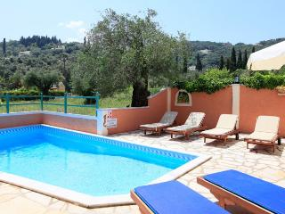 Comfortable 2 bedroom Agios Stefanos NE Villa with Internet Access - Agios Stefanos NE vacation rentals