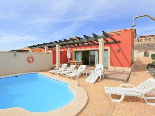 Comfortable 4 bedroom Fustes Villa with Internet Access - Fustes vacation rentals