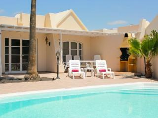Nice 3 bedroom Villa in Playa Honda with Internet Access - Playa Honda vacation rentals