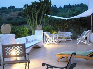 Bright 3 bedroom Trapani Villa with Deck - Trapani vacation rentals