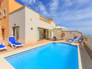 Comfortable 4 bedroom Fustes Villa with Internet Access - Fustes vacation rentals
