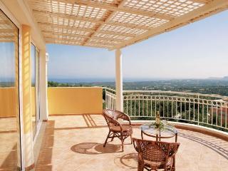 Comfortable 5 bedroom Villa in Adele - Adele vacation rentals