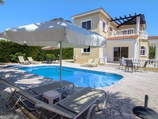 Nice 3 bedroom Coral Bay Villa with Internet Access - Coral Bay vacation rentals