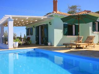 Lovely 2 bedroom Villa in Tsoukalades - Tsoukalades vacation rentals