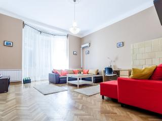 Real Apartments Lovag - Budapest vacation rentals