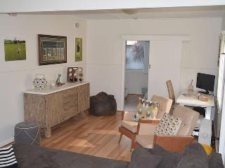 Perfect House with Internet Access and Shared Outdoor Pool - Bateau Bay vacation rentals
