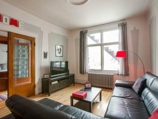 ♥Cosy large house -3 bedrooms  w garden&parking ♥ - Montreal vacation rentals