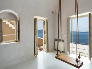 2 bedroom Villa with Internet Access in Oia - Oia vacation rentals
