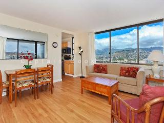 OCEAN VIEW with A/C, washer/dryer, full kitchen, WiFi, pool & parking! - Waikiki vacation rentals