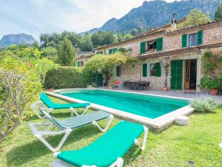 CAS PATRO LAU - Property for 8 people in FORNALUTX - Fornalutx vacation rentals