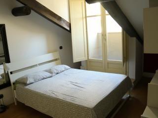 Beautiful 2 bedroom Turin House with Internet Access - Turin vacation rentals