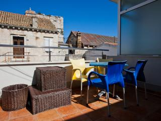 One Bedroom Apartment with Terrace - Vis vacation rentals