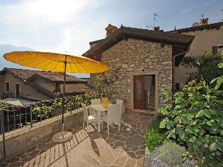 2 bedroom House with Internet Access in Limone sul Garda - Limone sul Garda vacation rentals