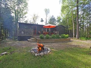 Cozy Cottage with Deck and Internet Access - Sauble Beach vacation rentals