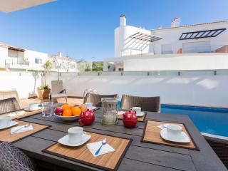 Luxury Villa with pool 150m from the beach - Wifi - Burgau vacation rentals