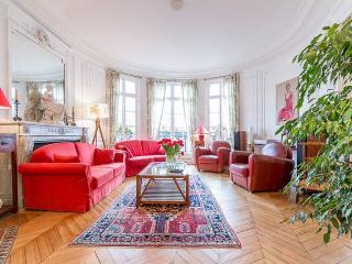 Elegant apartment for 5 in 15th district - Paris vacation rentals
