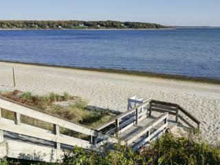 North Fork Long Island Wine Country Cottage, Water Views - Cutchogue vacation rentals