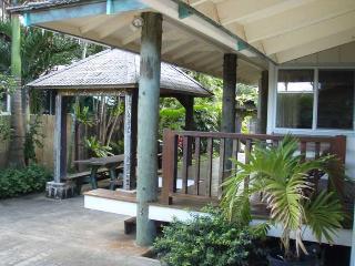 Sunset House - amazing location - Haleiwa vacation rentals