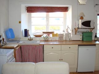 Traditional Detached Stone Breton Cottage, Sleeps5 - Plesidy vacation rentals