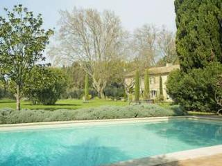 Stunning 7 Bedroom 18th Century Villa in Saint Remy and Alpilles - Saint-Remy-de-Provence vacation rentals
