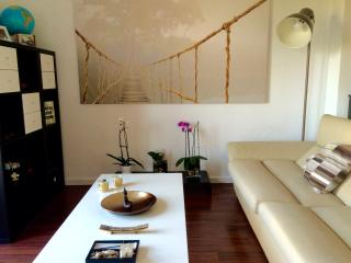 MODERN BEAUTIFUL AND COMFORTABLE COZY IN CITY CENT - Valencia vacation rentals