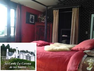 The Ruby Room in Castle La Corona de los Santos - Santa Cruz de Leon Cortes vacation rentals