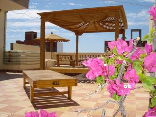 Town Apartment (410) in Prime Location, Hurghada - Hurghada vacation rentals