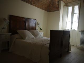 SUITES IN BOBBIO -Suite della Contrada - Bobbio vacation rentals