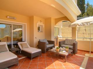 Colorado Hills modern 2 bedroom apartment, jacuzzi - Elviria vacation rentals