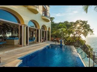 Villa Luna Creciente - Boca de Tomatlan vacation rentals