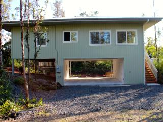 Beautiful House with Television and Balcony - Keaau vacation rentals
