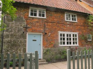 Idyllic country cottage with use of swimming pool - East Knoyle vacation rentals