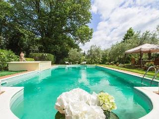 Charming Tuscany vacation Villa with Shared Outdoor Pool - Tuscany vacation rentals